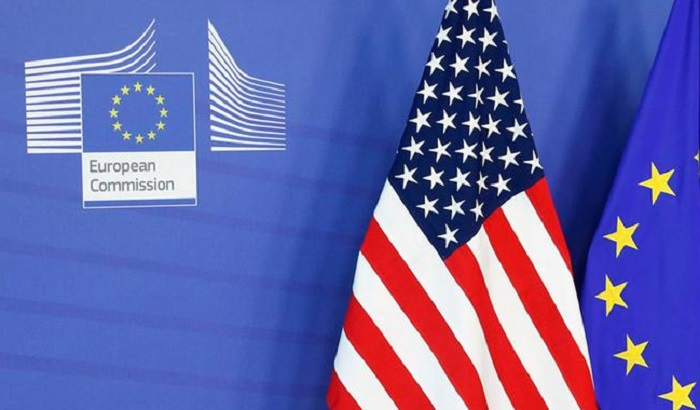 European-Commission-US-EU-flags-2-700x410.jpg