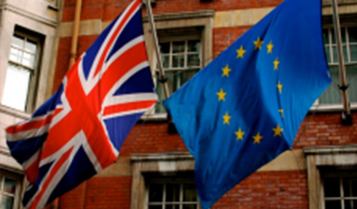 UK-EU-flags-referendum-700x410.jpg