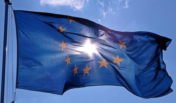 EU-flag-sunshine-700x410.jpg
