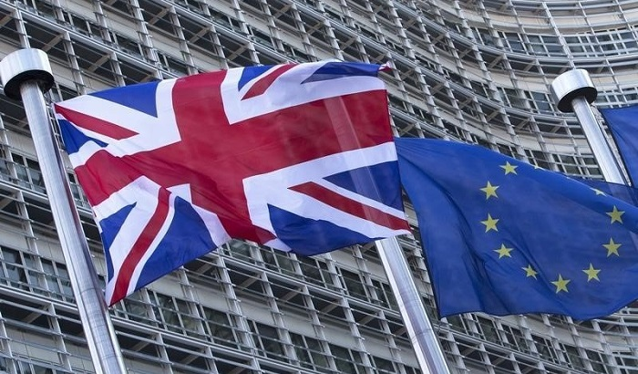 UK-EU-flags-outside-the-Commission-700x410.jpg