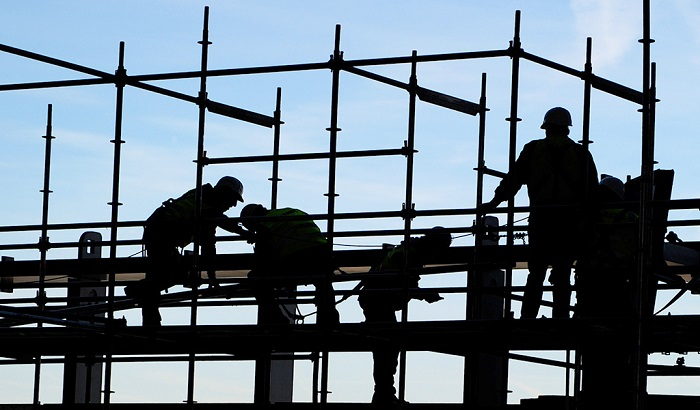 Workers-on-construction-site-700x410.jpg