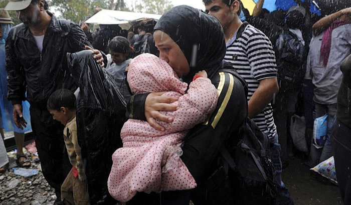 Greece-refugee-crisis-Macedonia-border-700x410.jpg