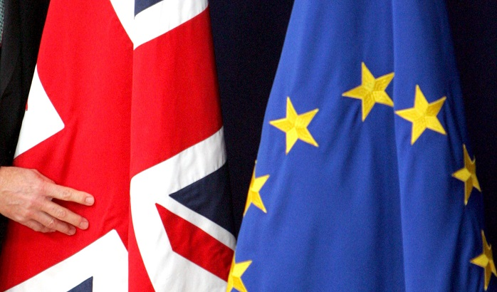 UK-EU-flags-18-03-2016-700x410.jpg