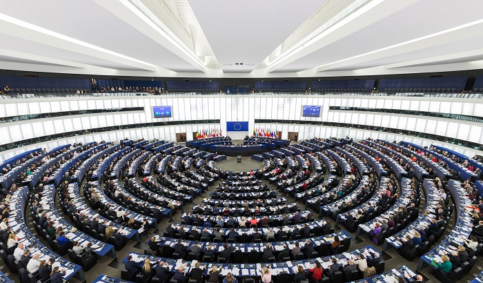 European-Parliament-Strasbourg-Hemicycle-Plenary-700x410.jpg