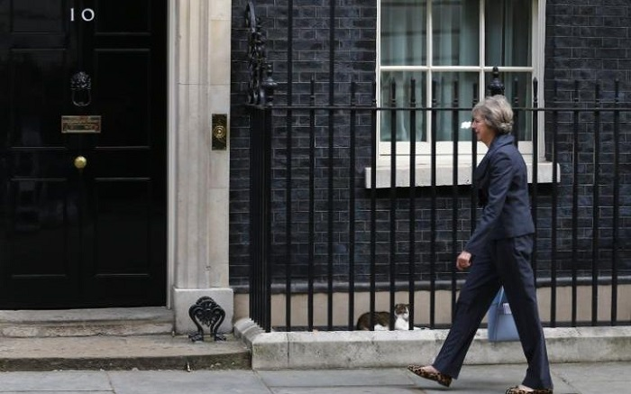 Theresa-May-10-Downing-Street-700x437.jpg