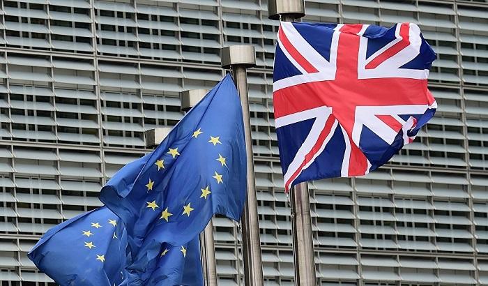UK-EU-flags-outside-EU-Commission-700x410.jpg