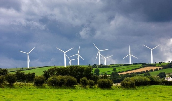 Wind-farms-English-countryside-700x410.jpg