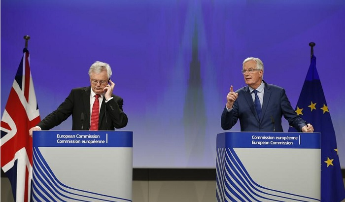 David-Davis-Michel-Barnier-Brexit-Talks-October-2017-700x410.jpg