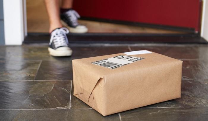Parcel-delivery-doorstep-700x410.jpg