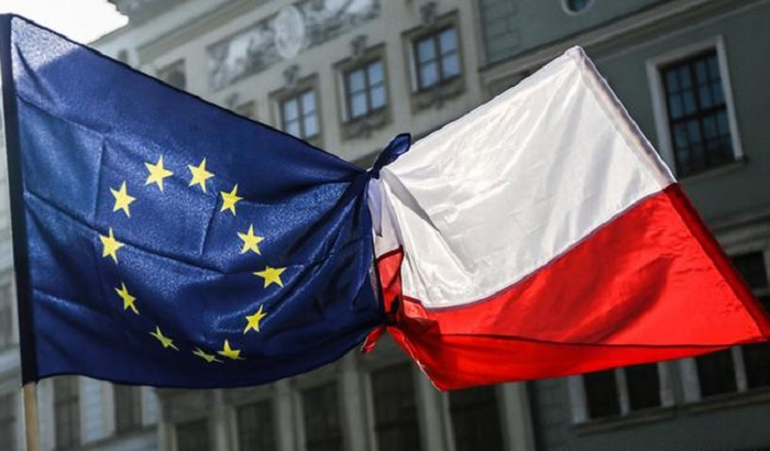 EU-Poland-flags-700x410.jpg