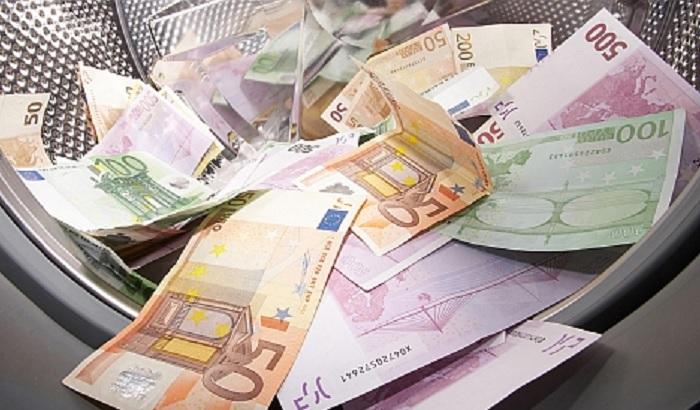 Money-laundering-Russia-Putin-oligarchs-700x410.jpg