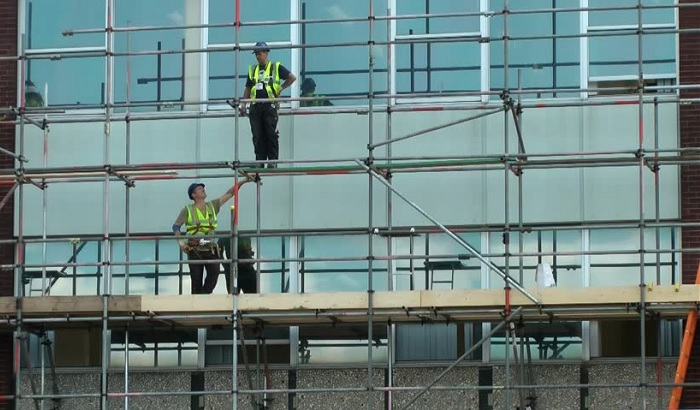 Workers-on-a-construction-site-700x410.jpg