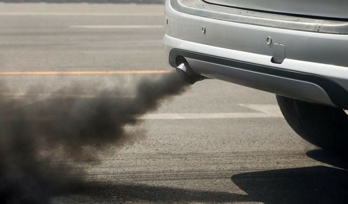 Car-exhaust-fumes-700x410.jpg