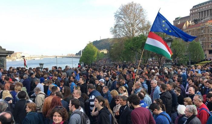 Hungary-Central-European-University-protest.jpg