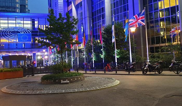 EP-UK-flag-700x410.jpg