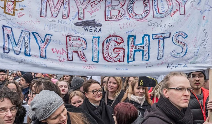 Poland-protest-criminalisation-of-sexual-education-700x410.jpg