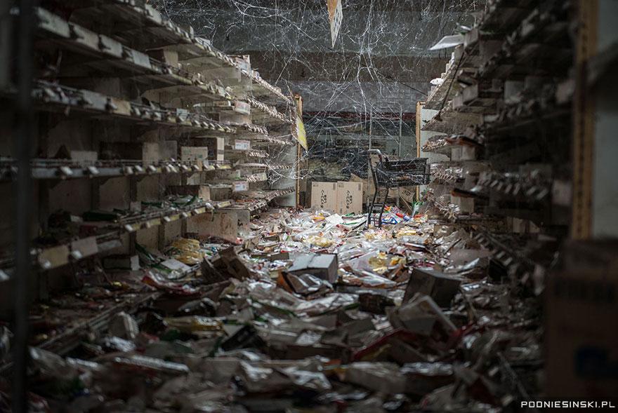 apocalypticgrocerystore.jpg