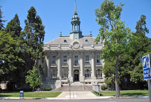 sized_Old_City_Hall_(Berkeley__CA).JPG