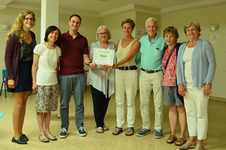 St Anselms green team with certificate