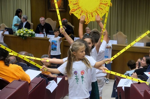 2018_Vatican_conf_children.jpg