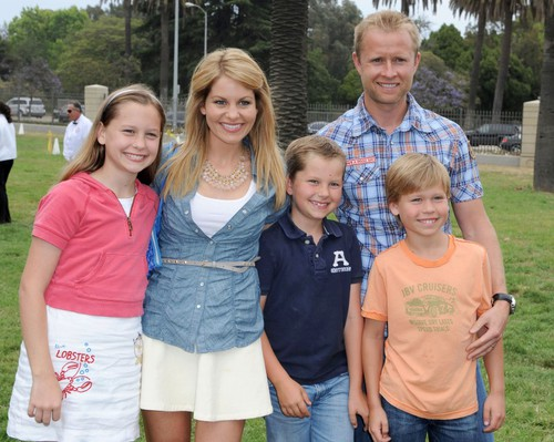 candace-cameron-bures-happy-family-1-500x399.jpg