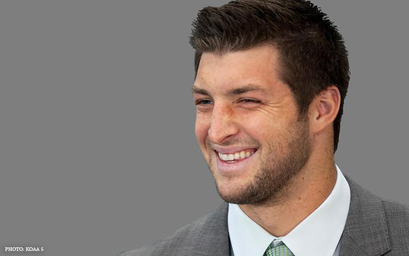 Tim_Tebow_Smiling_3.jpg