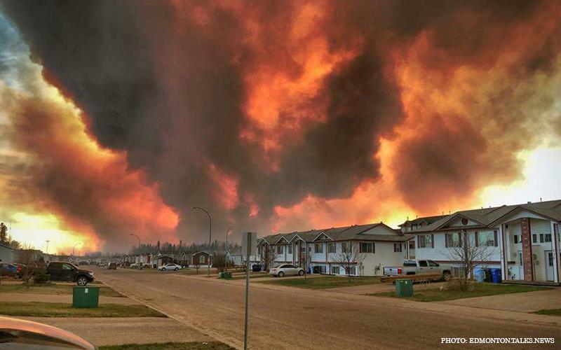 Alberta_Wildfire_2.jpg