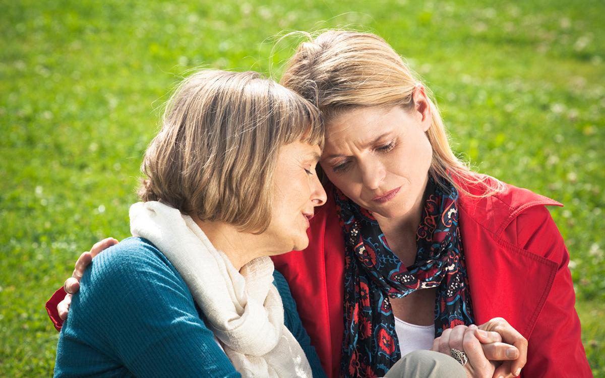 Prayer_-_mother_embracing.jpg