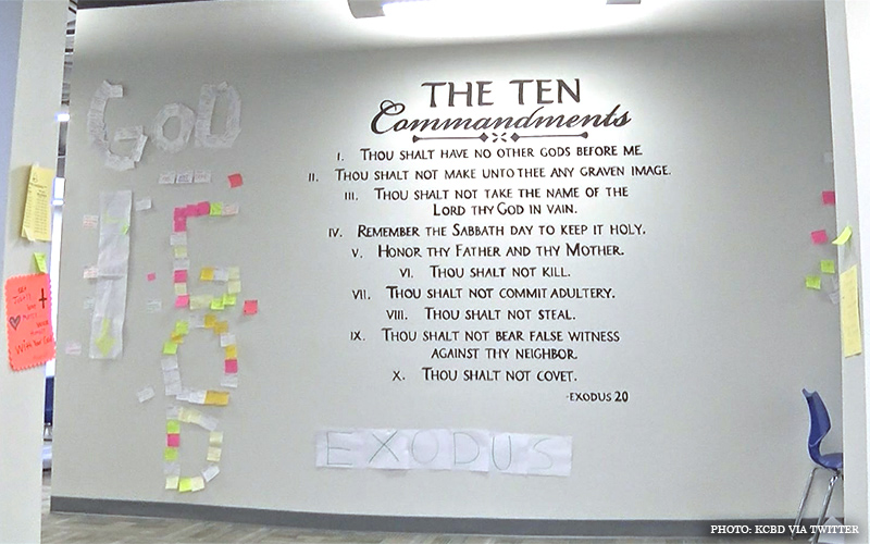 Ten_Commandments_Mural.jpg