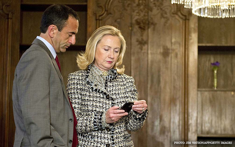 Hillary_Blackberry.jpg