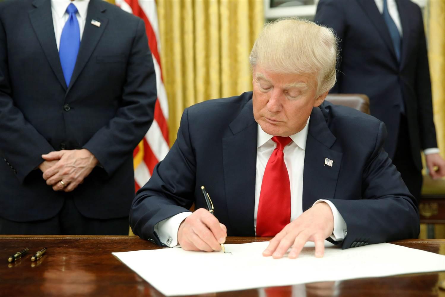 Trump_Signs_Executive_Order.jpg