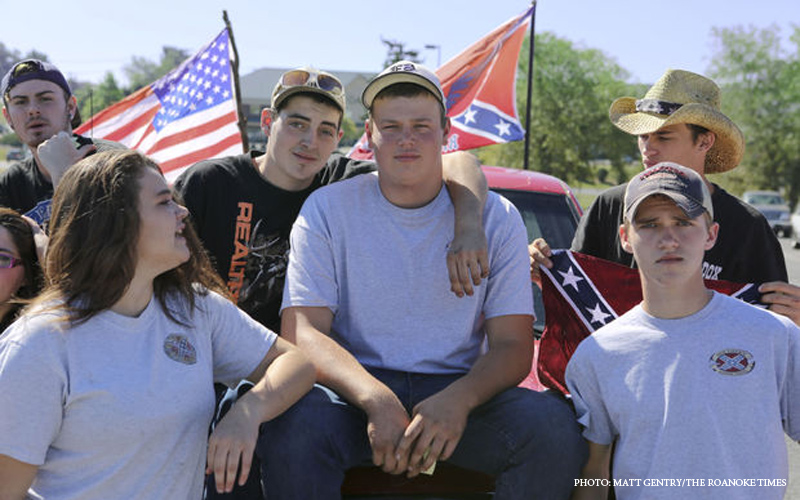 Students_Confederate_Flag.jpg