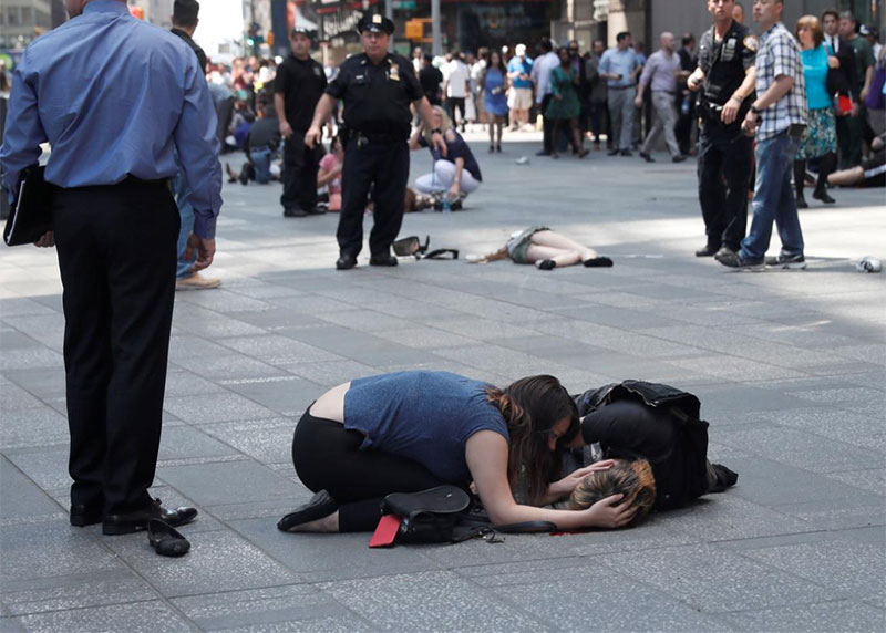 Times_Square_Tragedy_1.jpg