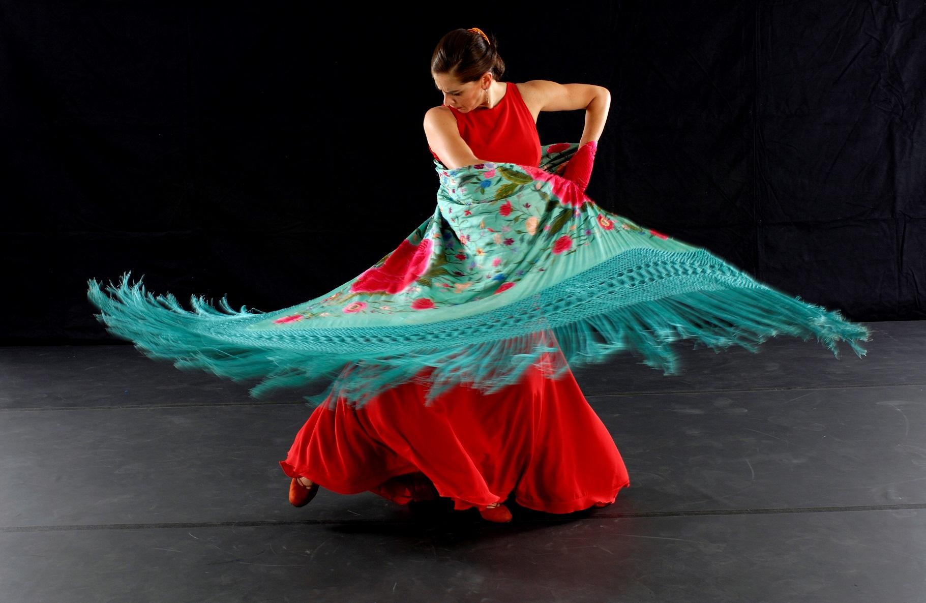 Theatre_Flamenco_Image_6_Cropped.jpg