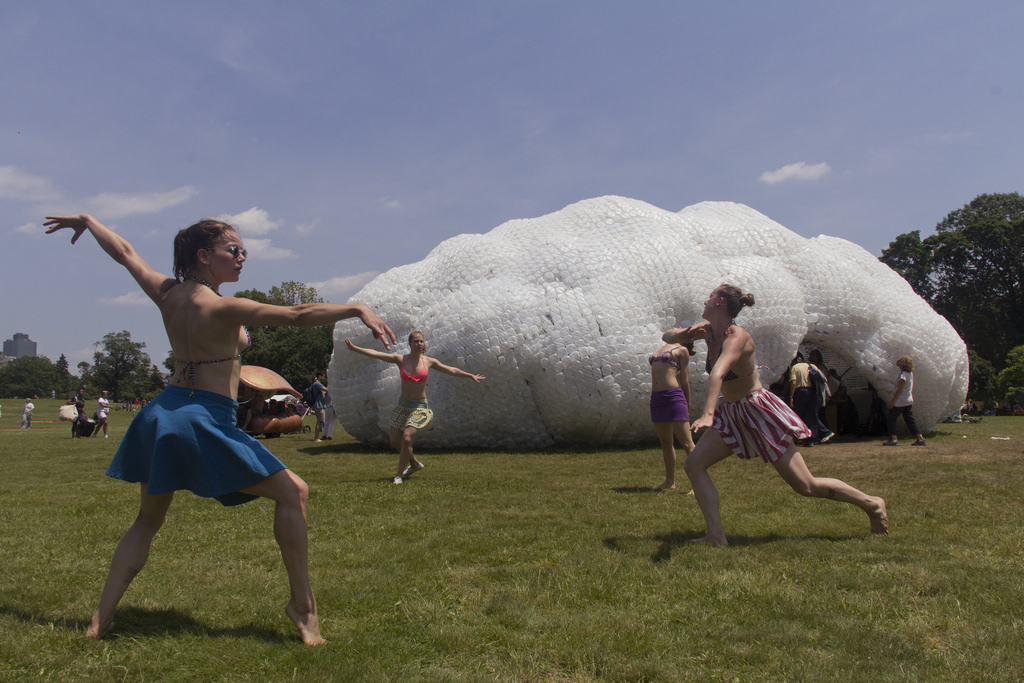 c_2013_Emma-Tuccillo_head-in-the-clouds-pavilion_by_studiokca_figment-nyc.jpg