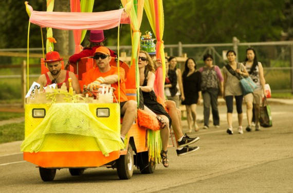 c_2012_alessandro-bologna_electricbubblebus_by_christopher-hardwick_figment_nyc-570x377.jpg