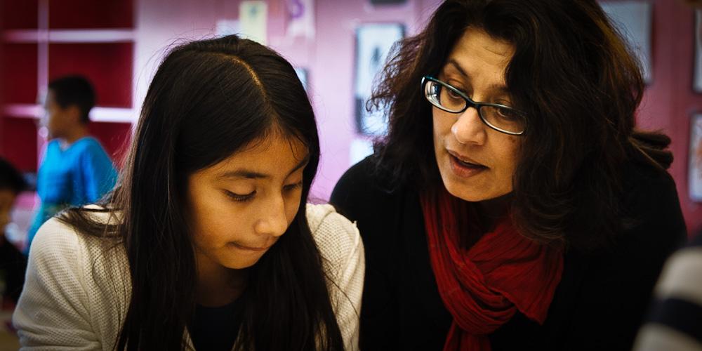 Teacher Sujata Bhatt working with children at the Incubator School