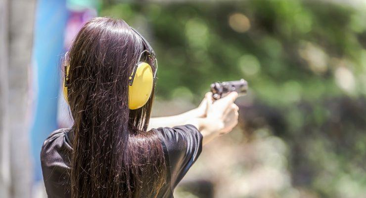 woman_shooting_handgun.jpg?1602882470