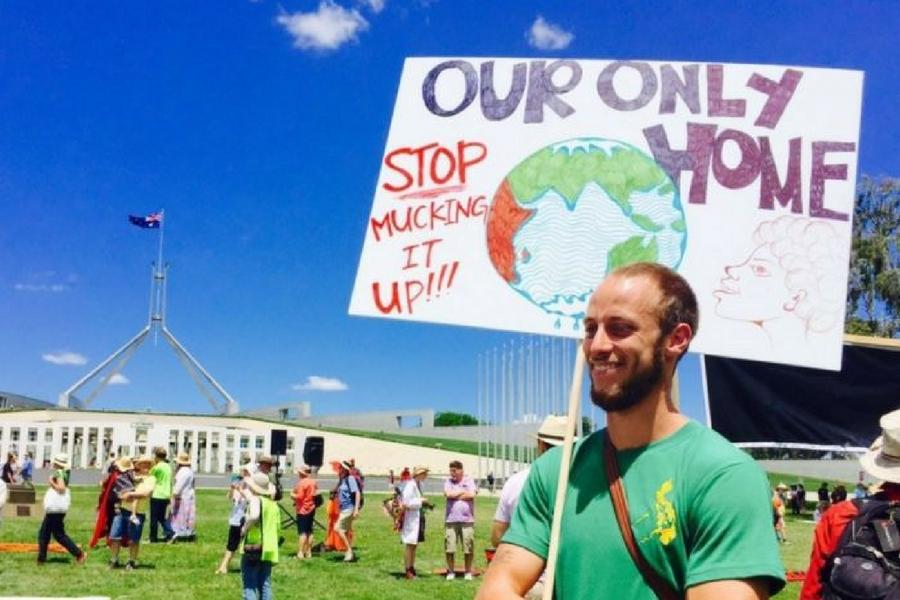 Defend_Renewables_Canberra.jpg