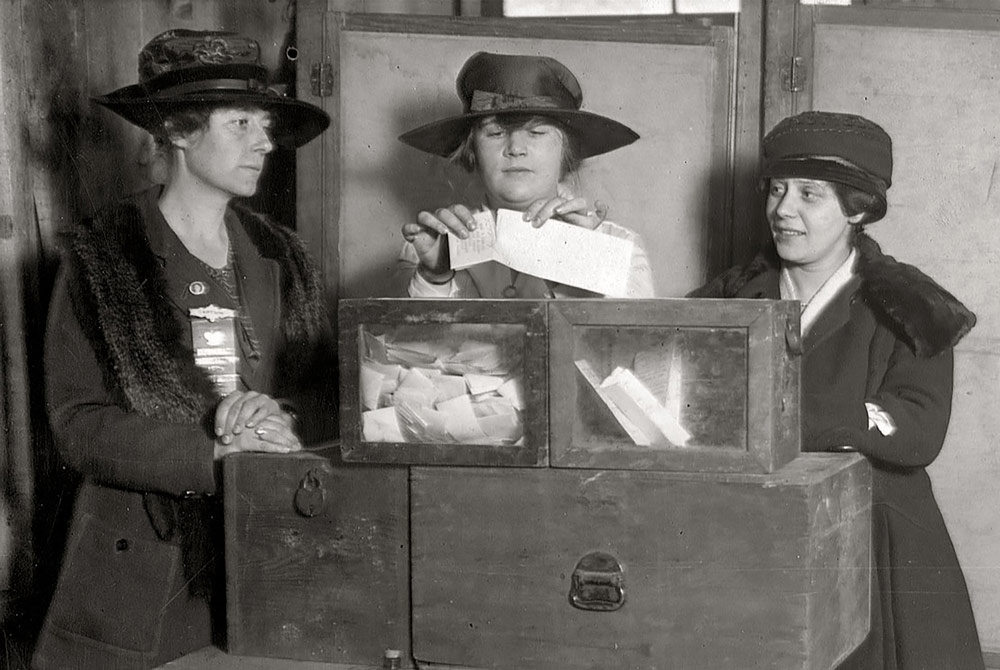 women-voting-cropped2.jpg