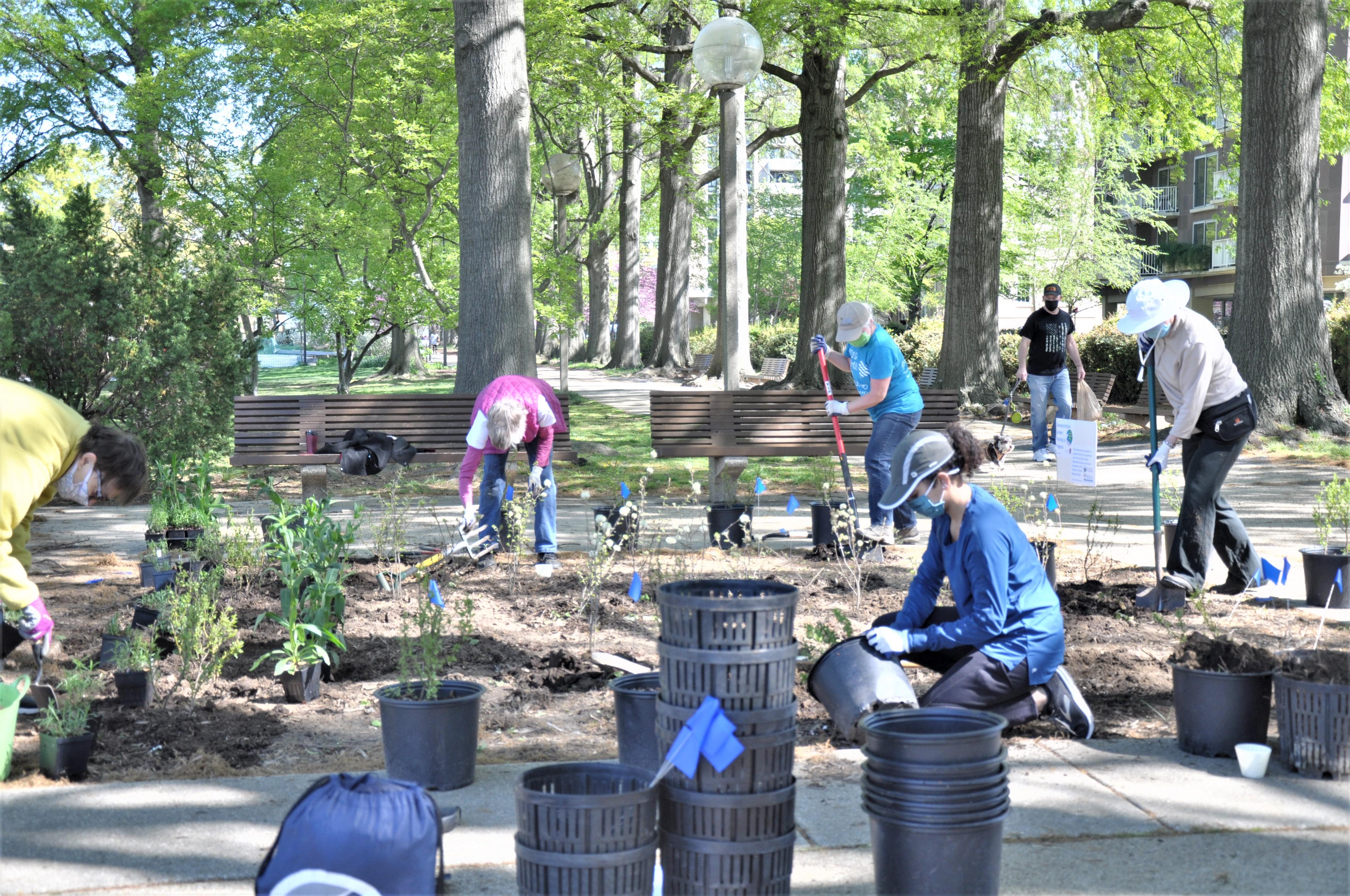 Volunteers Plant the Demonstration Garden