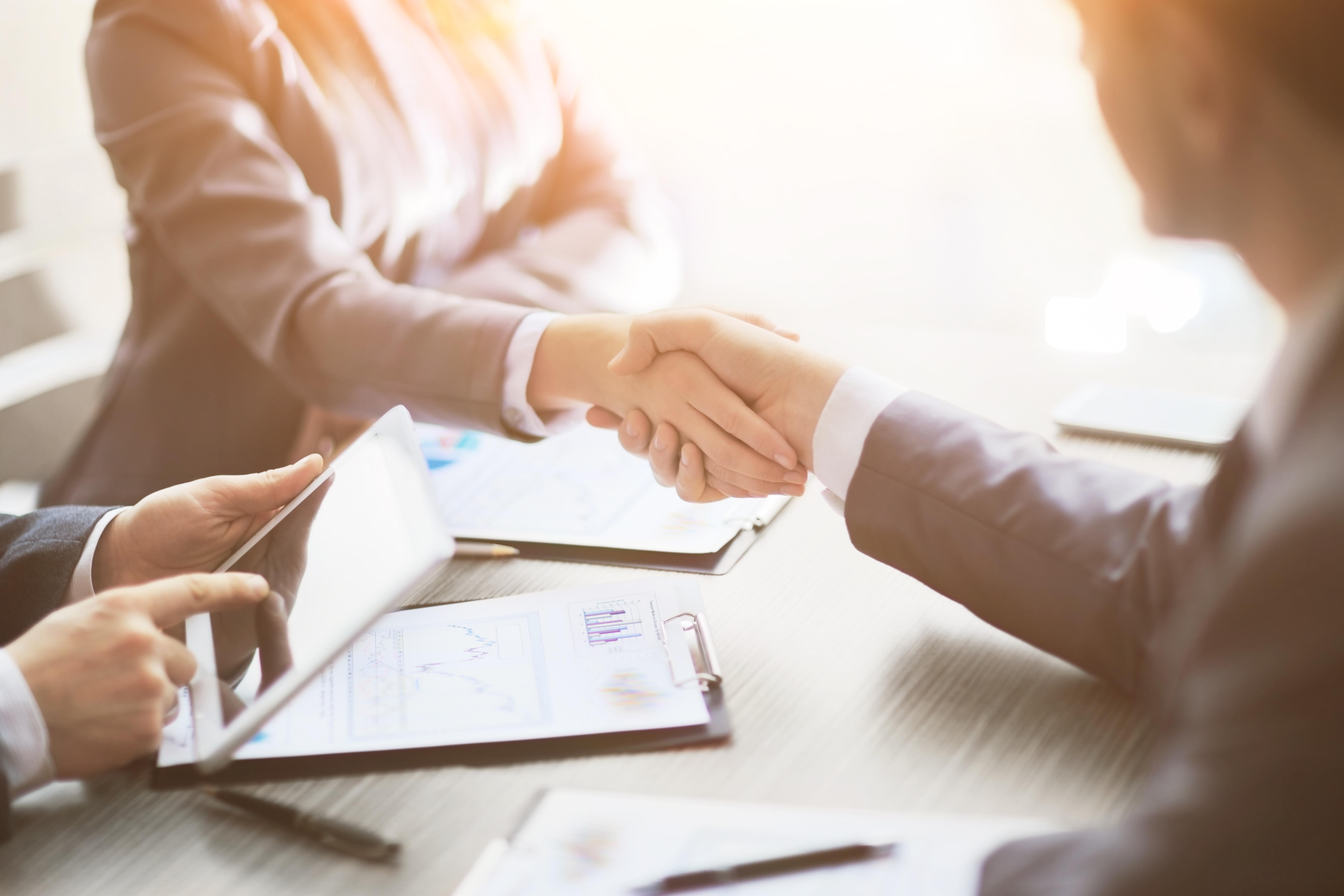 iStock-Business_people_shaking_hands.jpg