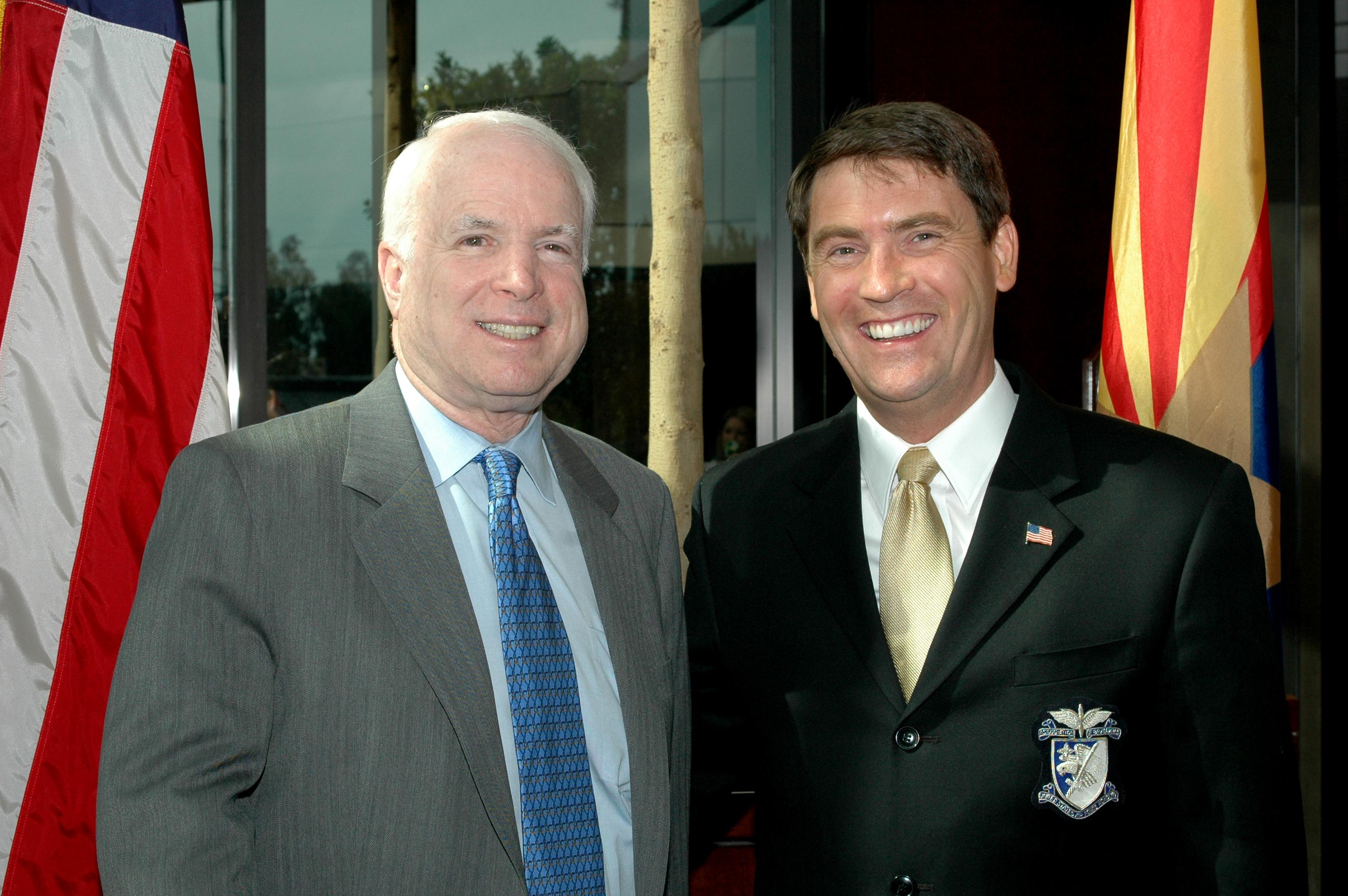 John_McCain_and_Frank_Schmuck.jpg