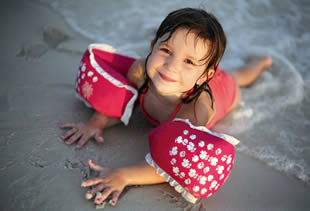 girl_on_beach_310.jpg