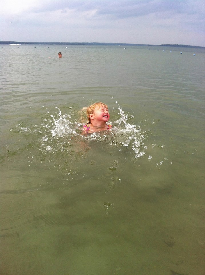 SplashingLakeCouchiching.jpg