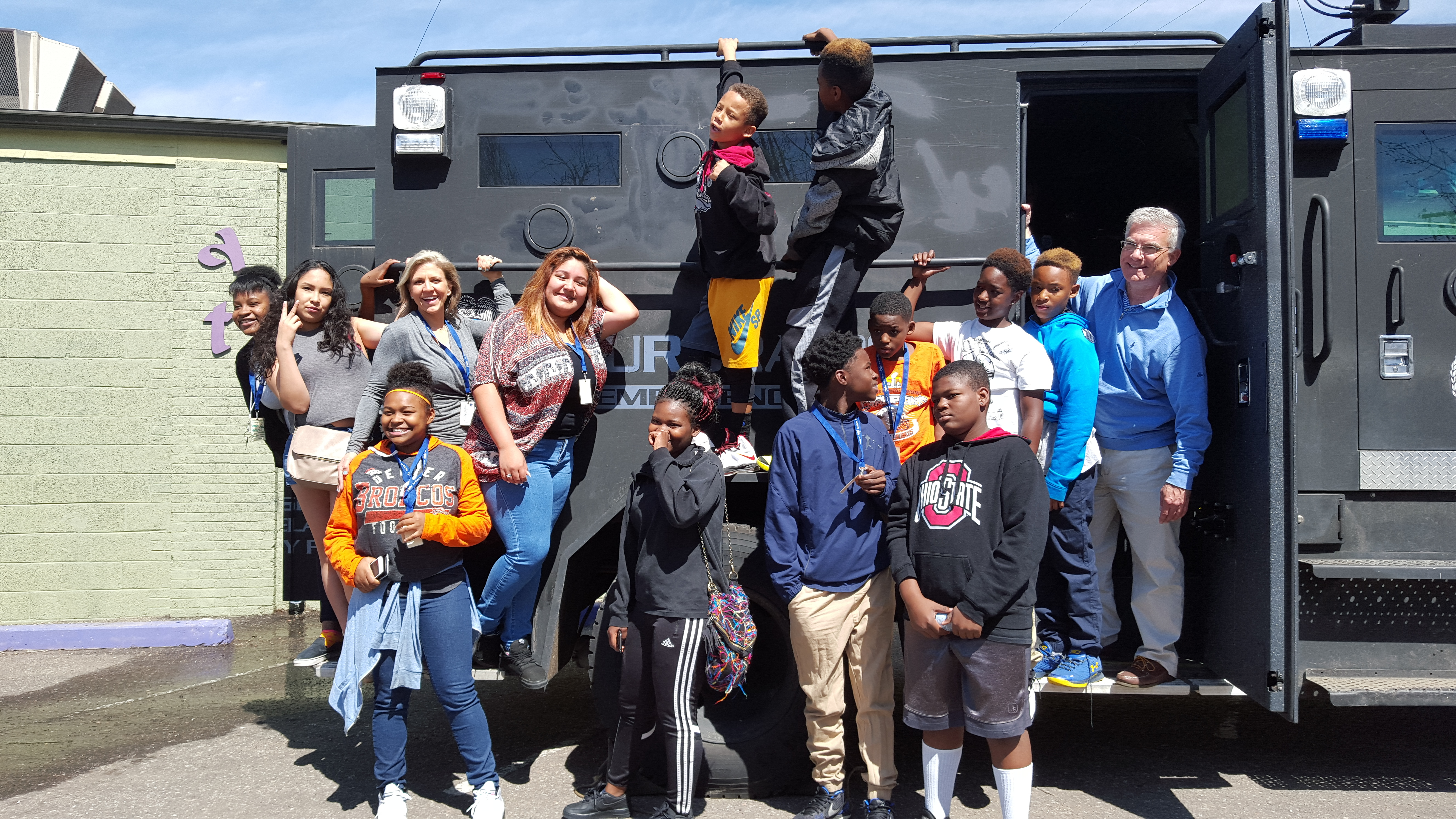 Kids_with_APD_vehicle_The_Bear.jpg