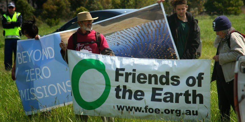 volunteer_with_friends_of_the_earth.jpg