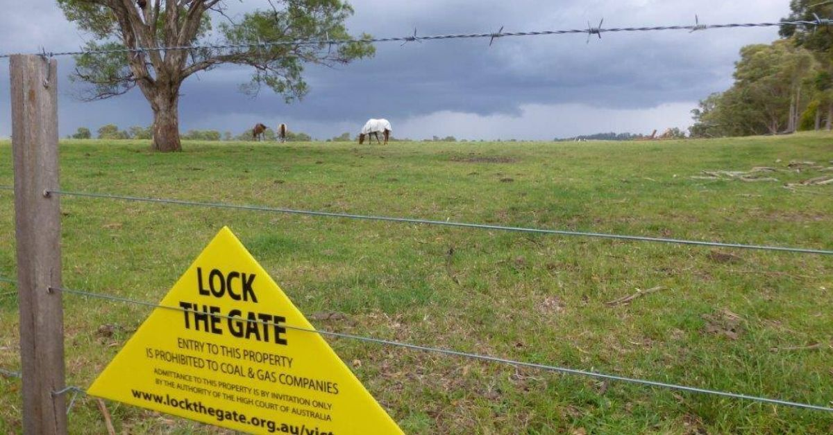 VIC farmlands are again at risk as Andrews opens up gas mining