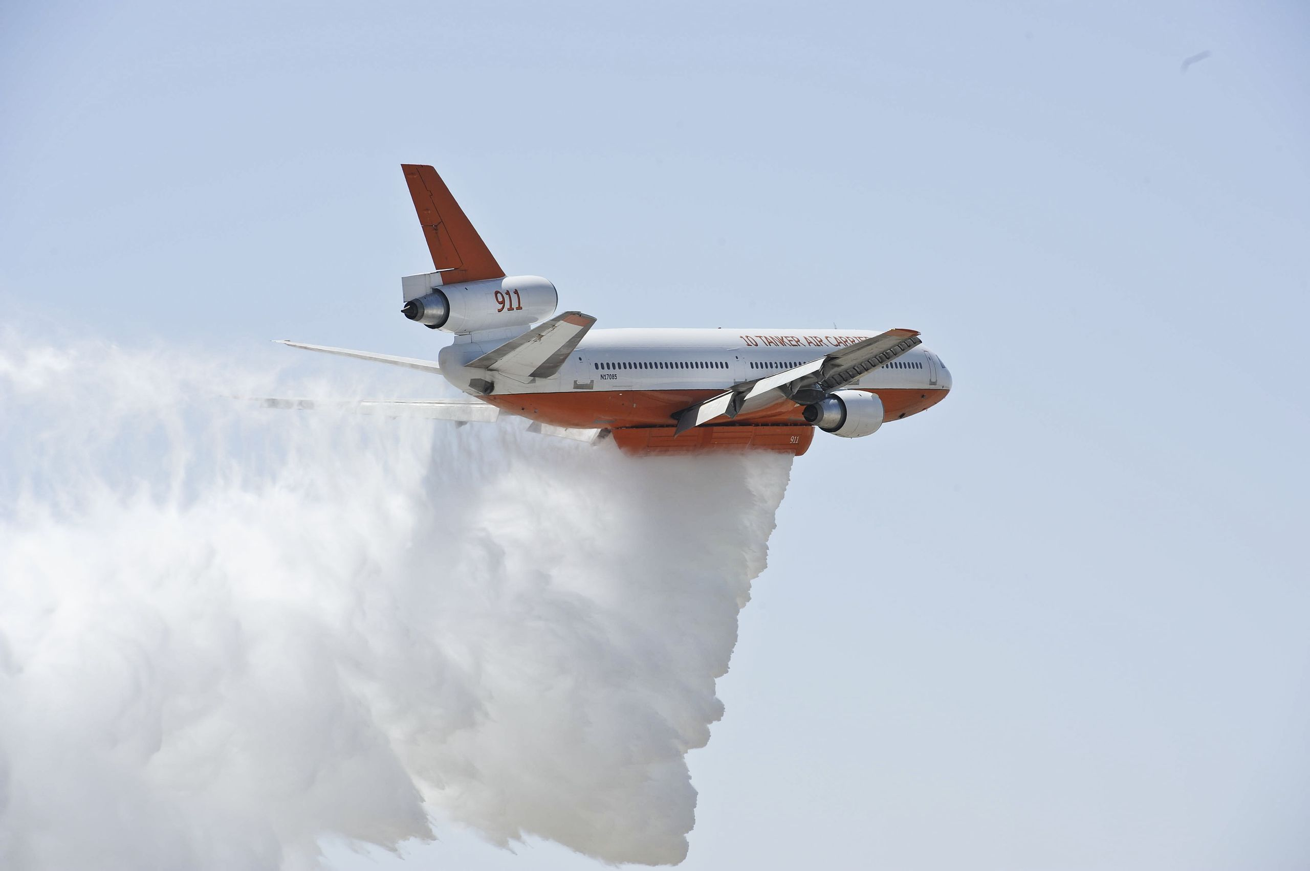 Thunder_Over_The_Empire_Airfest_2012_120519-F-EI671-001.jpg