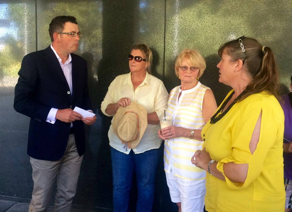 Daniel_Andrews_talks_with_knitting_nanas_March_2016.jpg